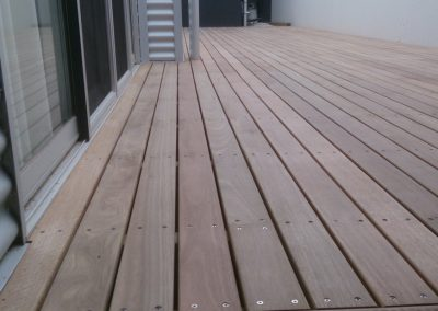 Townhouse Spotted Gum Deck & Screen – Lightsview