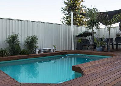 Kapur Pool Deck, Grange