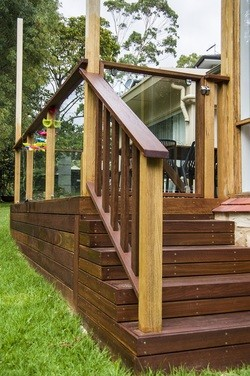 spruce-stairs-and-balustrade-burnside