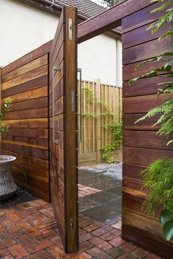 spruce-timber-gate